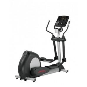 Life Fitness Club cross trainer