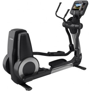 Life Fitness Platinum Club Series Cross Trainer with Discover SE3 HD Console